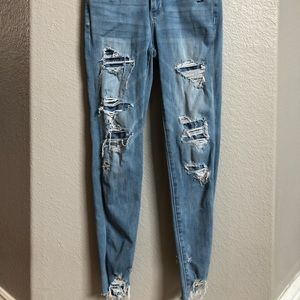 American Eagle blue skinny jeans with rips